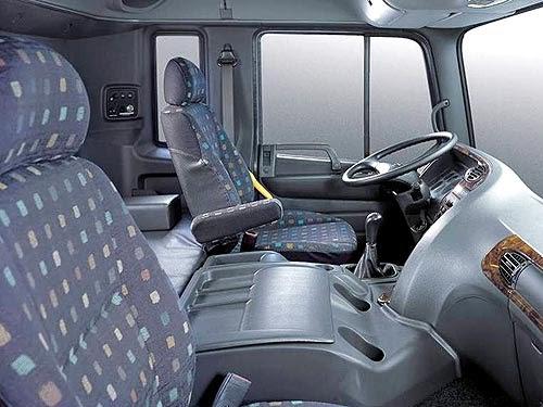 Hyundai HD 320 4 chân nhập khẩu nguyên chiếc
