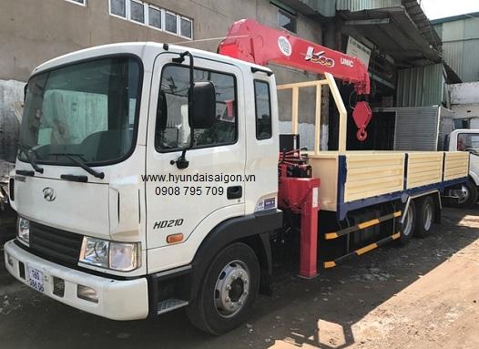 Xe tải cẩu Unic 5 tấn 4 khúc UR-V554 Hyundai HD210